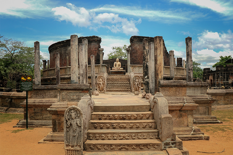 DAY 04 - POLONNARUWA ANCIENT SITES |  DAMBULLA (APPROX.TRAVEL TIME 1.5 HRS)
